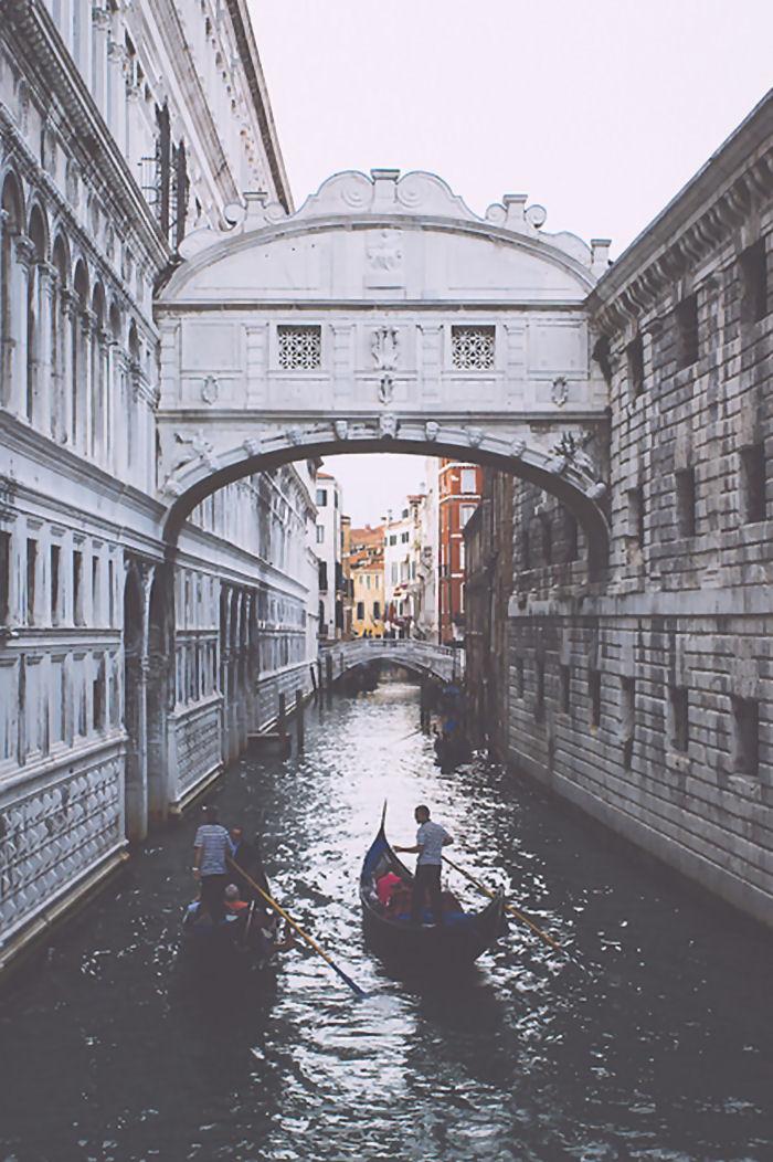 Venezia Ponte dei Sospiri by David Coyne
