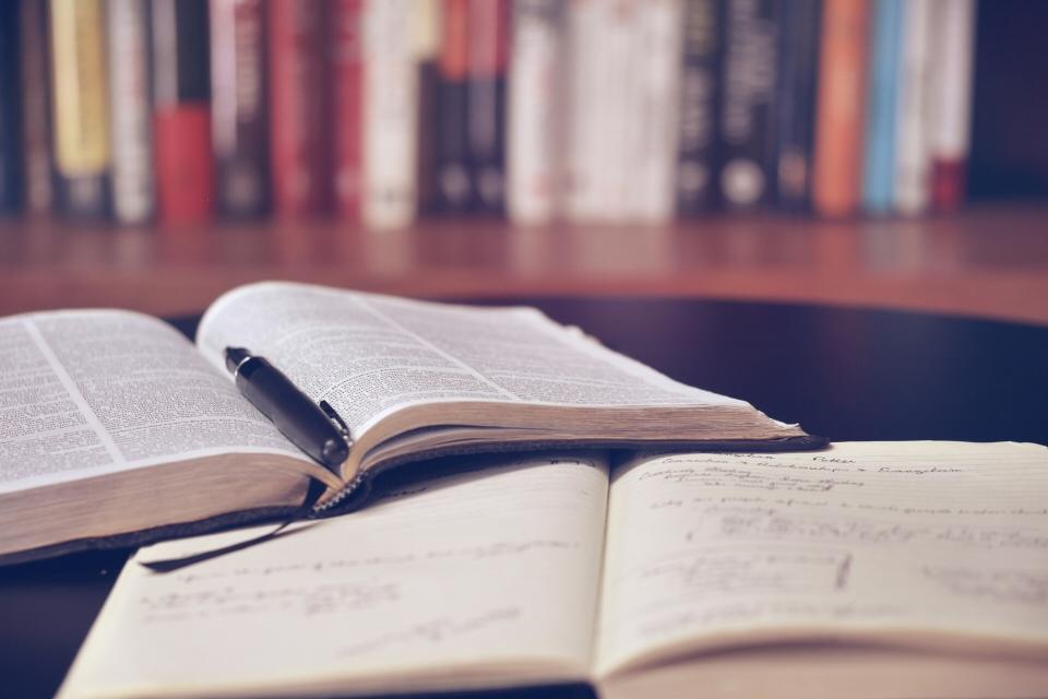 Libri per investire in borsa: guida ai testi fondamentali